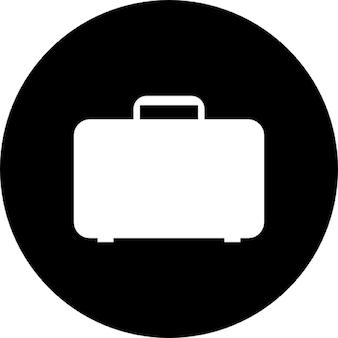 Podróży bagażu wewnątrz czarnym tle koła