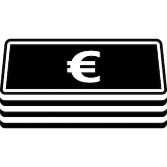 Stos banknotów euro