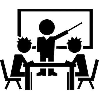 Uczniów na klasy