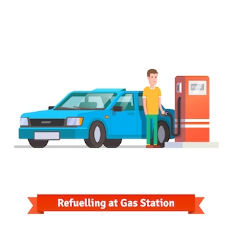 Cz? Owiek tankowania swojego samochodu na stacji benzynowej