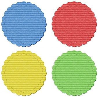 Cztery okrągłe lables w czterech kolorach