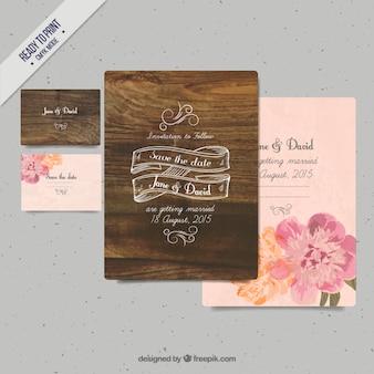 Drewno zaproszenia ślubne z kwiatami