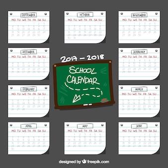 Kalendarz szkoły z notatkami i tablicą