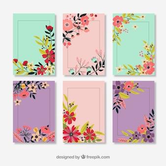 Karty zdobione kwiatów w stylu vintage