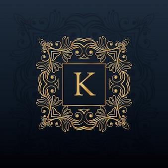 Klasyczny kwiatowy wzór monogram na literę K logo