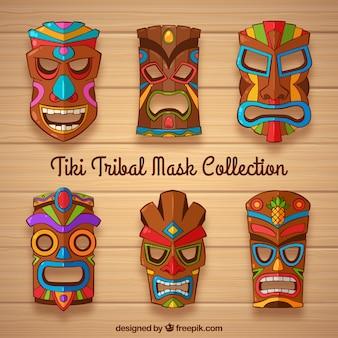 Kolekcja maski tiki z kolorowymi detalami