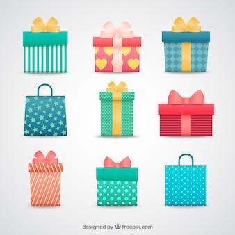 Kolorowe pudełka na prezenty