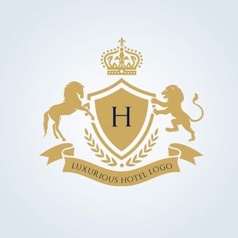 Lwa i konia luksusowe logo. Logo Crests. Projekt logo hotelu, kurortu, restauracji, nieruchomości, spa, tożsamości marki mody