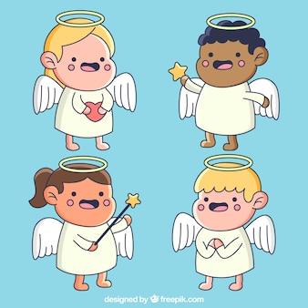 Paczka ręcznie rysowane śmieszne postacie aniołów