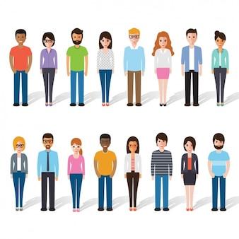 Różni ludzie stojący