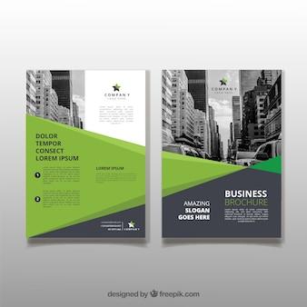 Szablon broszury o kształtach geometrycznych