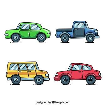 Widok z boku czterech samochodów w różnych kolorach