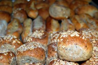 świeże bułki chleba