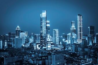 Błyszczące nocy miasto