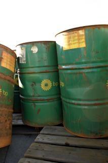 Baryłek ropy zielony, dent