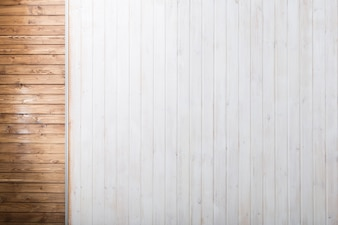 Brązowe i białe drewno