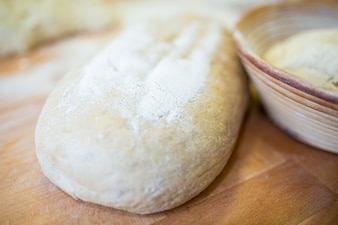 Close-up z surowego ciasta chlebowego