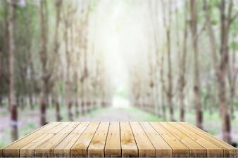 Drewniane stół góry z tłem
