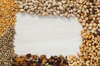 Granica z nasion i orzechów