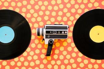 Kamera między winylami
