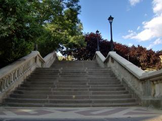 klatek schodowych, w lecie