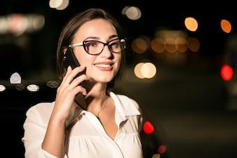 Kobieta biznesowych z telefonu