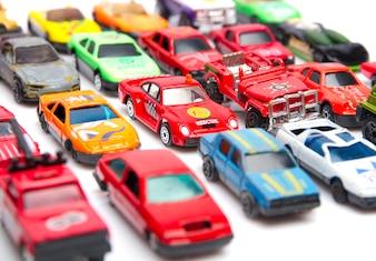 Kolorowe zabawki samochodów