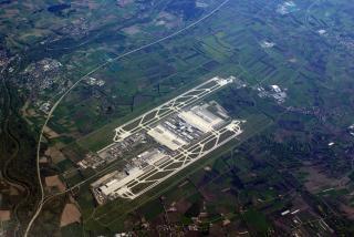Lotnisko w Monachium, jasne