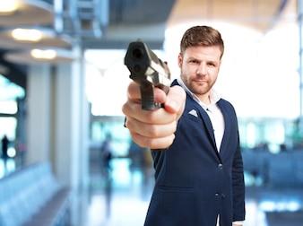 Młody biznesmen wściekły wyraz