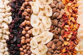 Mieszane orzechy i suszone owoce