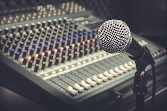 Mikrofon i mikser