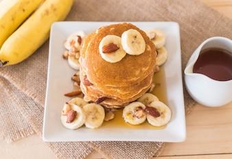 Naleśnik bananowy migdałowy