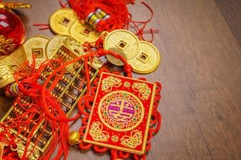 Pomyślne złoto orientalne wiszące