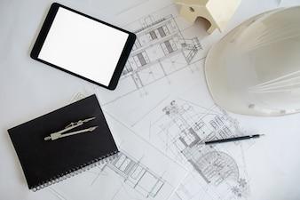 Ręce Inżynier pracuje nad projektem Koncepcja budowy. Narzędzia inżynierskie. Vintage dźwięk.