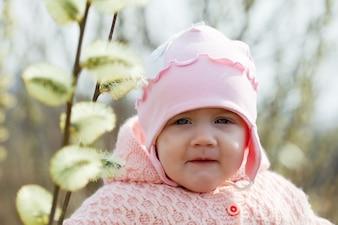 Siedem miesięcy dziewczynka na wiosnę