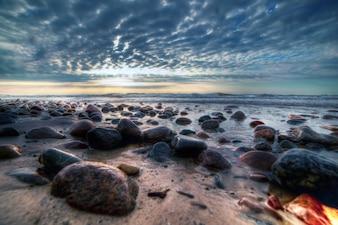 Skały w piasku