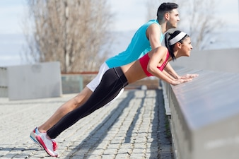 Sport fitnes zdrowie chłopiec waga