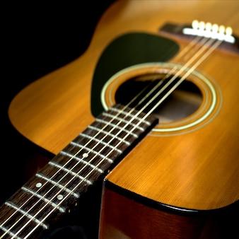 Szczegóły gitara akustyczna z efektem filtru retro