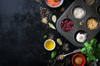 Taca z różnych ziaren ryżu i nerek