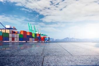 Terminal kontenerowy? Nabrzeże, transport