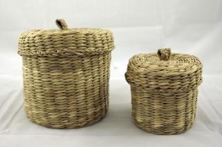 2 cestas tejidas, de almacenamiento