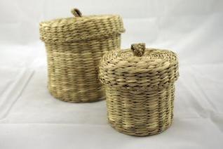 2 cestas tejidas