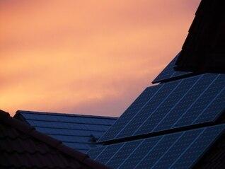 Las células del techo solar de origen resplandor sunset tecnología