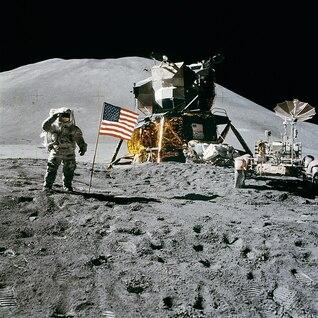 estación espacial irwin aterrizaje james apollo luna