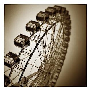 año cielo ferris gondola mercado feriantes paseos ruedas
