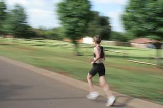 de la mujer atleta corriendo