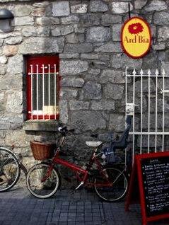bicicleta y restaurante