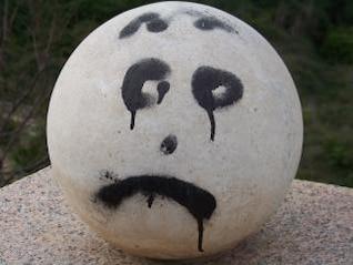 piedra fría y triste