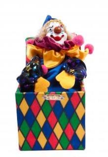 Jack en la caja de juguetes aislados