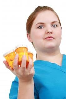 la enfermera con la medicina la medicina